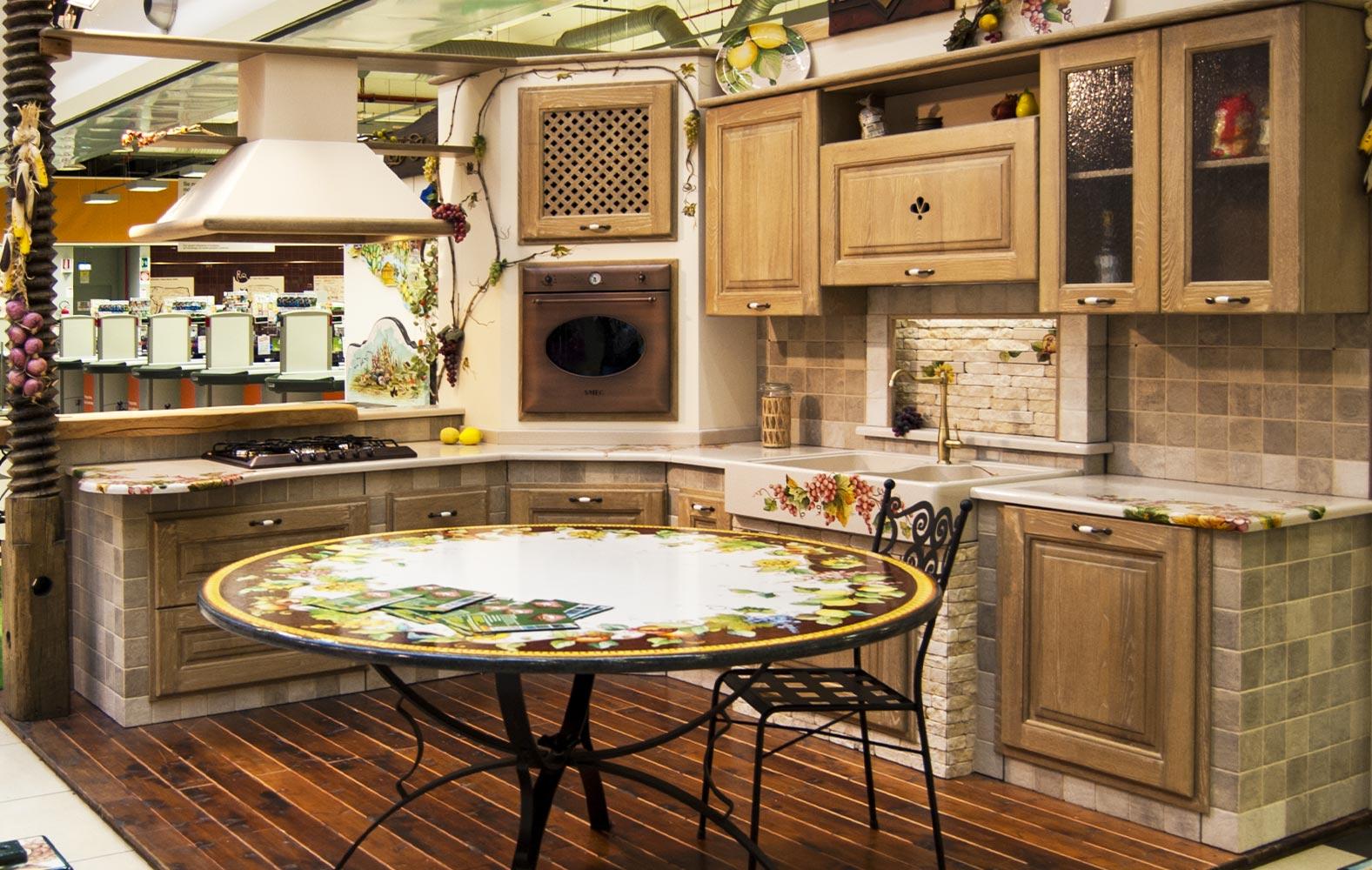 Penisola Cucina In Muratura cucine in muratura smontabile con top decorati a mano
