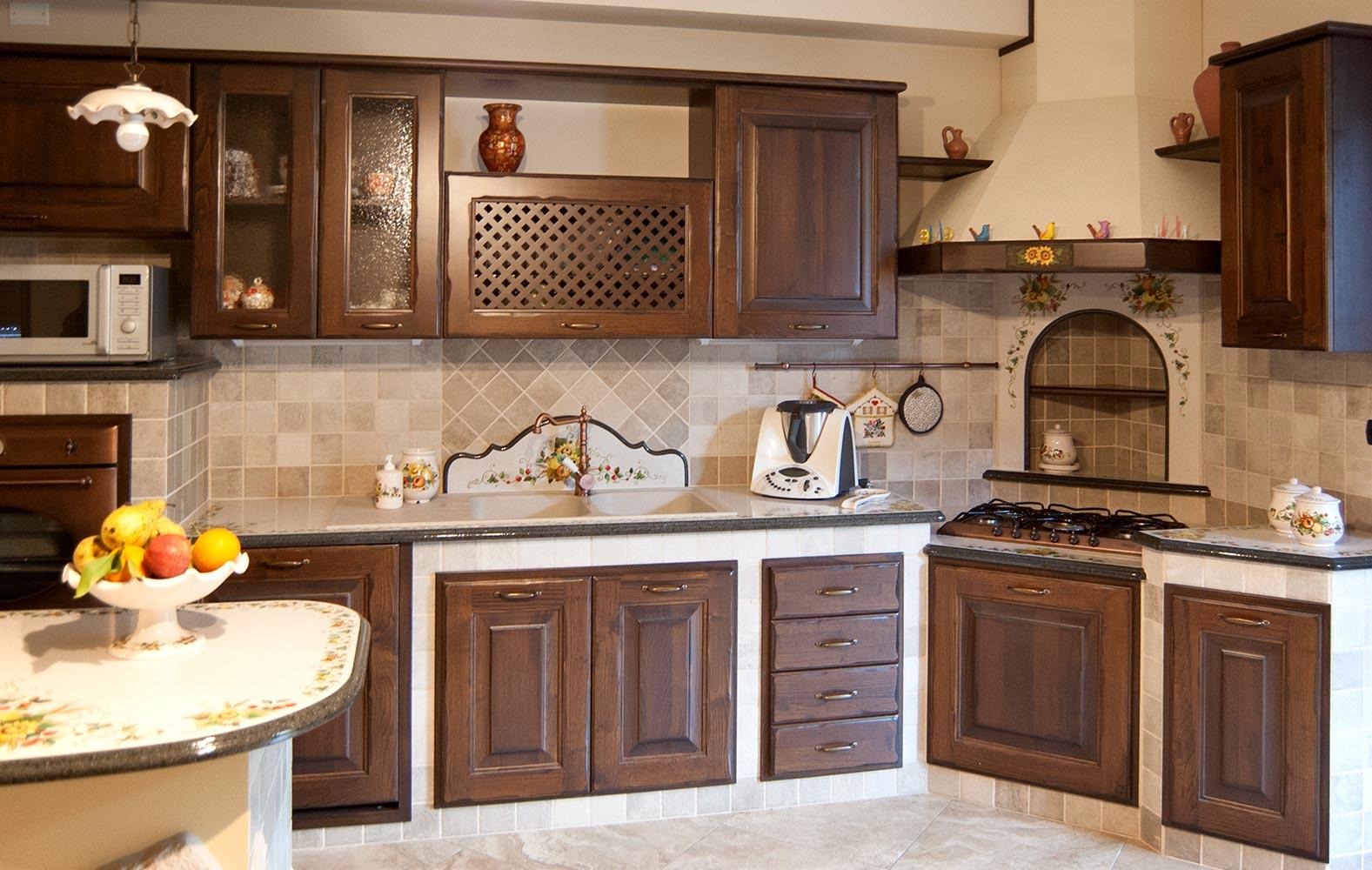 Cucine in muratura smontabile con top in pietra lavica - Modelli di cucina in muratura ...