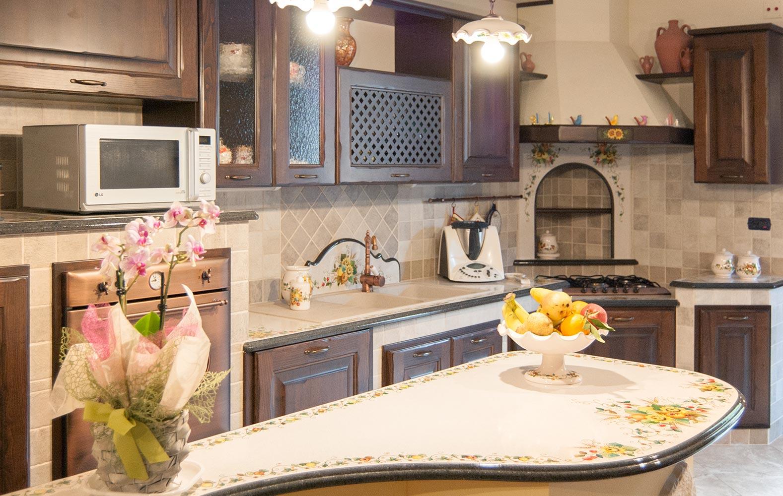 Cucine in Muratura smontabile con top in pietra lavica ...