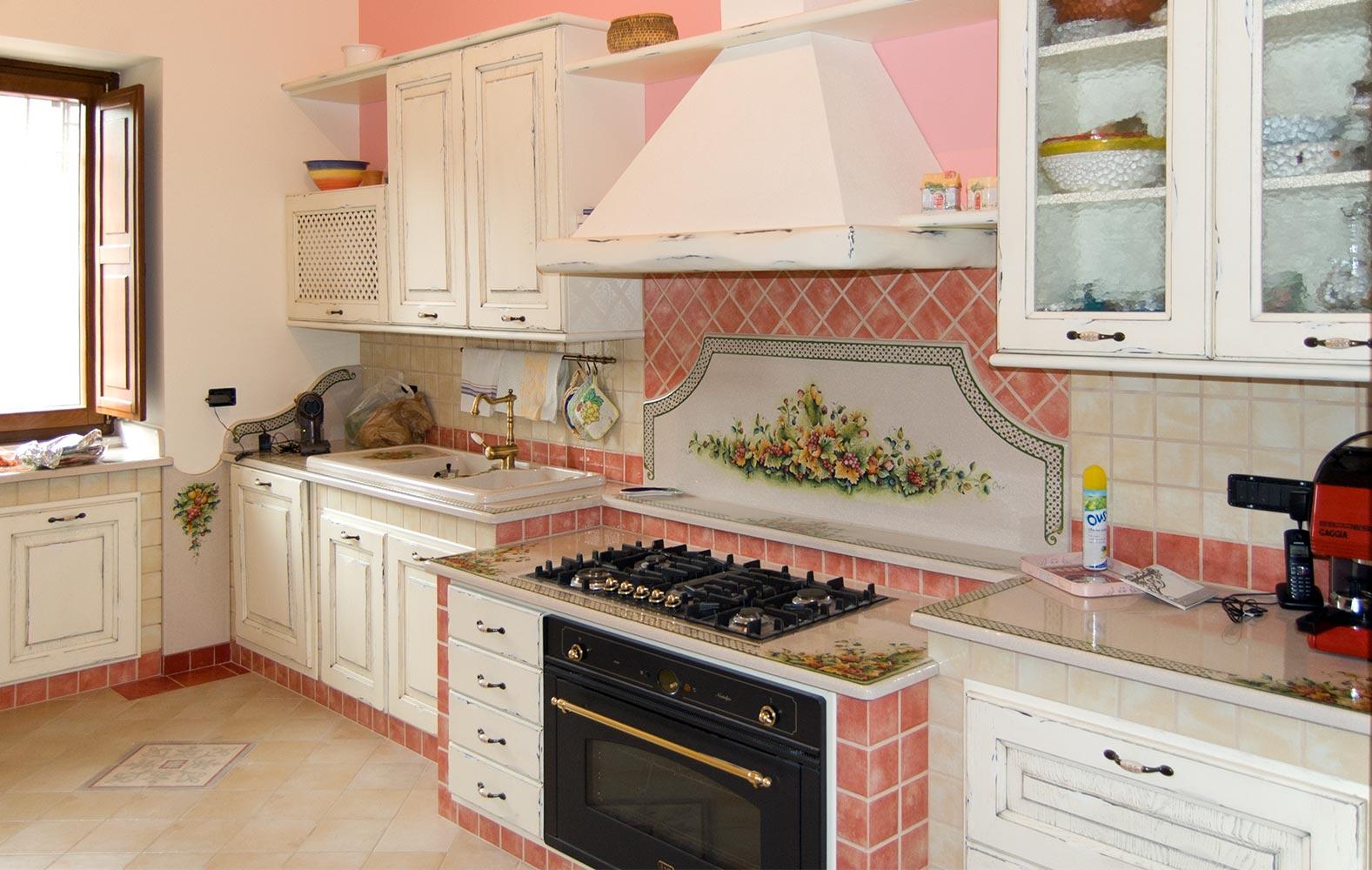 Le cucine rustiche d 39 altri tempi realizzate su misura for Pensili cucina in muratura