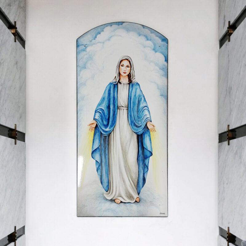"""Pannello in pietra lavica con raffigurazione religiosa """"Madonna"""""""