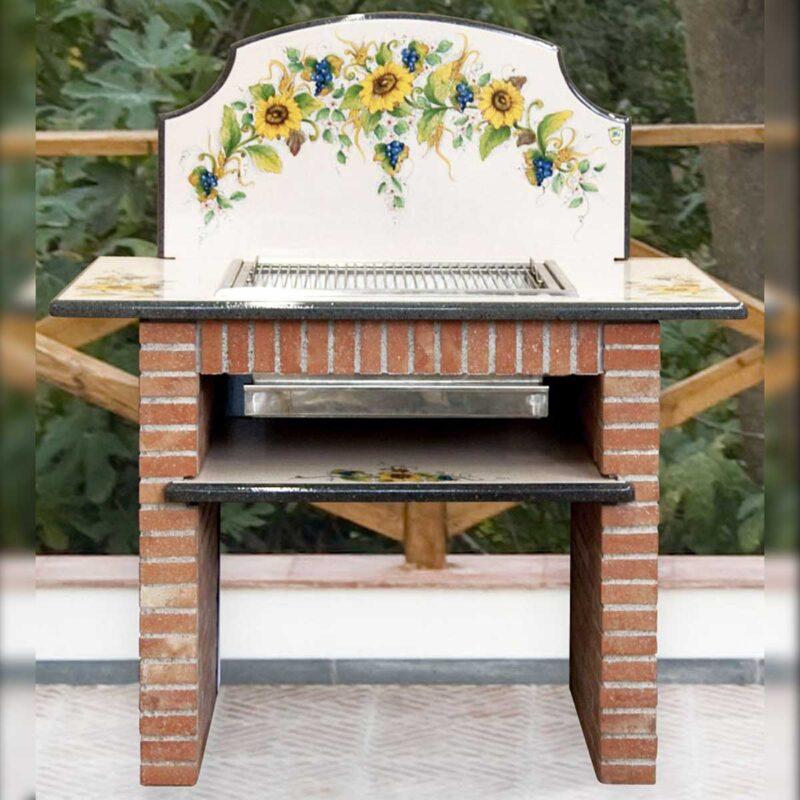 Barbecue in pietra lavica decorato a mano con decoro girasoli e uva