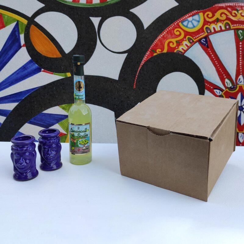Cofanetto, Box regalo con 2 bicchieri teste di moro e limoncello