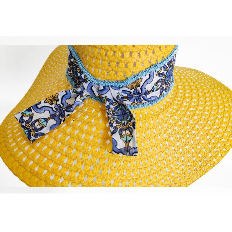 Cappello Giallo con fiocco e decorazioni siciliane