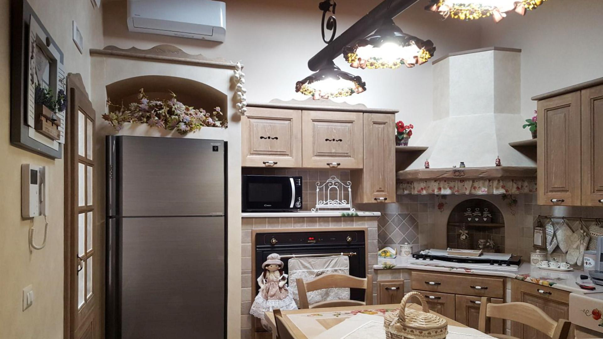 Cucine Antiche - L\'eleganza di un tempo si fonde con il moderno