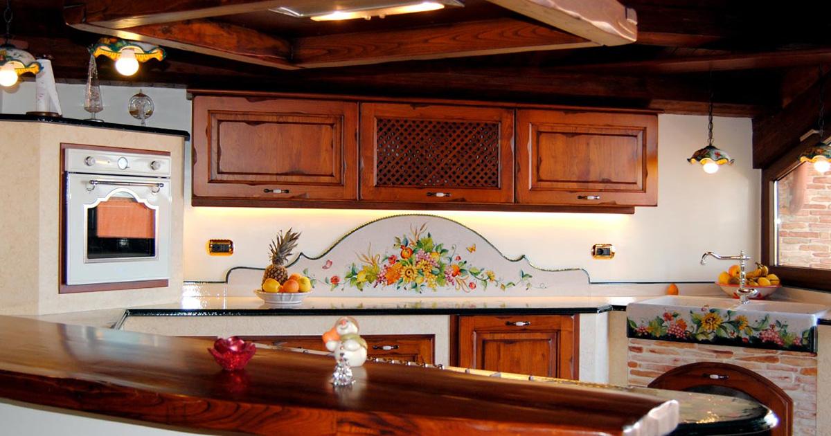 Le cucine d 39 arte in muratura smontabile con top decorati a mano - Arte sole cucine ...
