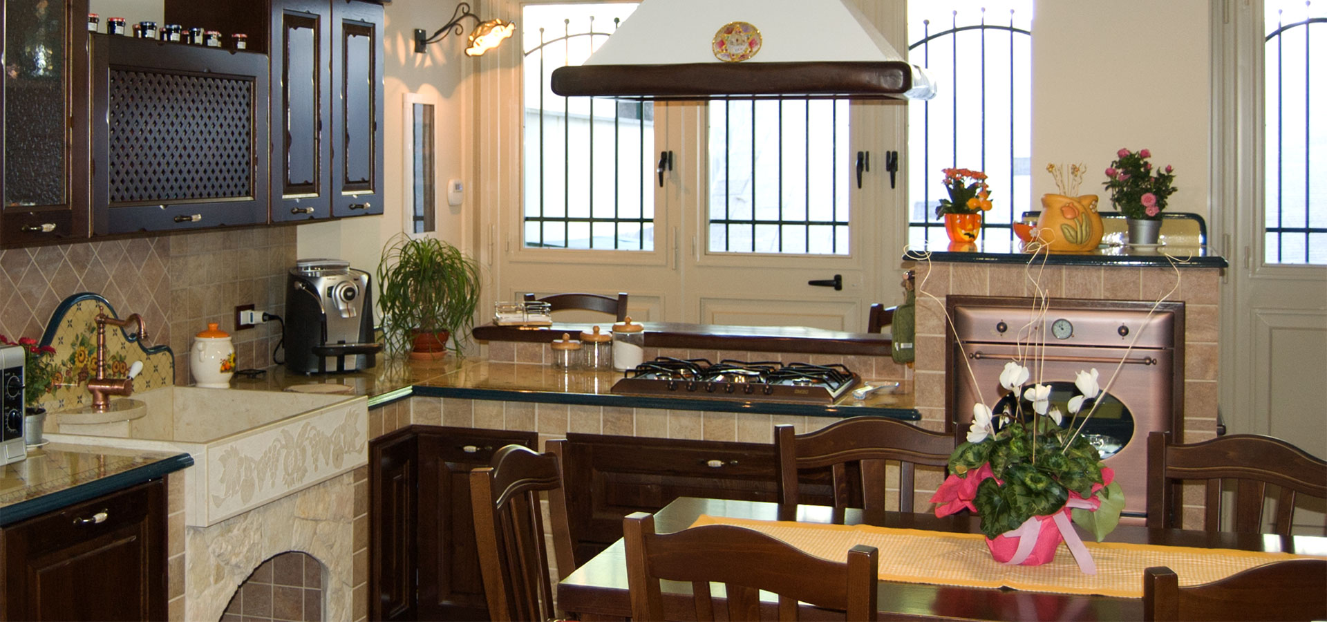 Cucine Borgo Antico: Cucine in legno massello | Modello Borgo Antico