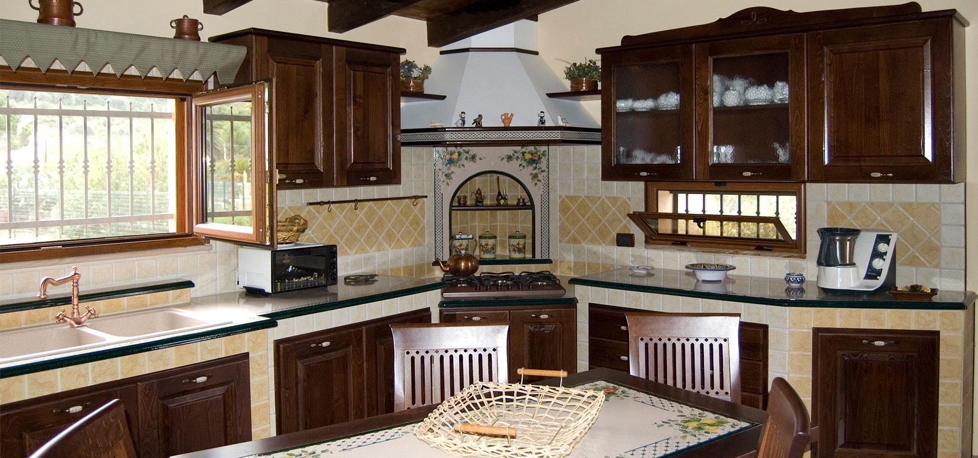 Realizziamo cucine country in muratura smontabile - Arte sole cucine ...