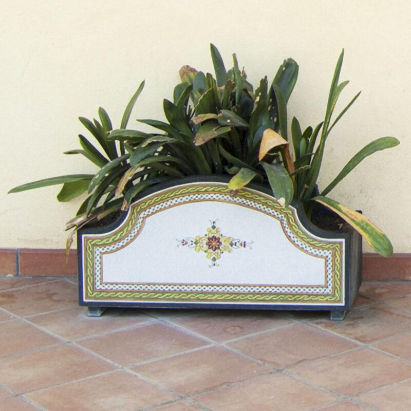 Fioriera in Pietra lavica decorata a mano