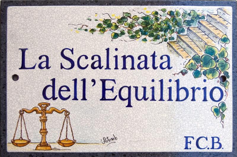 La Scalinata dell'Equilibrio, targa su pietra lavica decorata a mano. Personalizzabile!