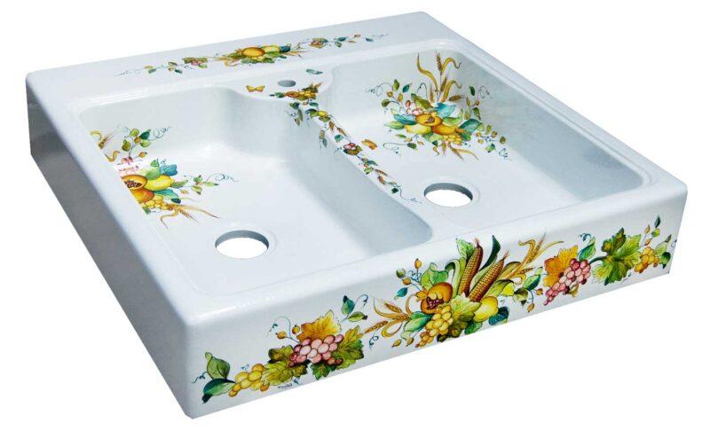 lavello in pietra lavica decorato a mano per cucine in muratura