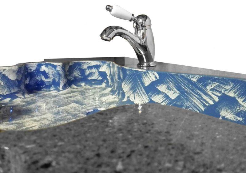 lavello in pietra lavica realizzato su misura. decoro moderno