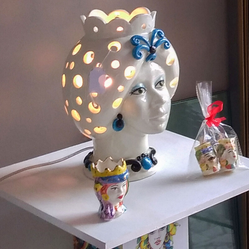 Lume testa di moro donna in ceramica