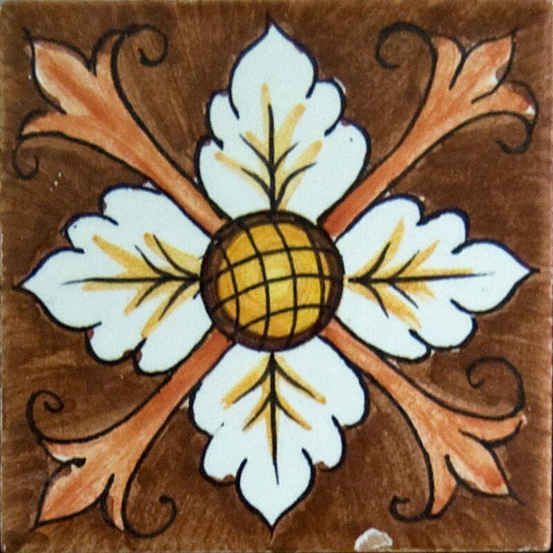mattonella decorata a mano con decoro fiore