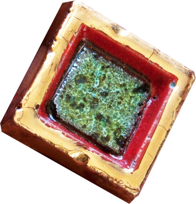 Mattonella per mosaico con inserto in pietra lavica cristallinata