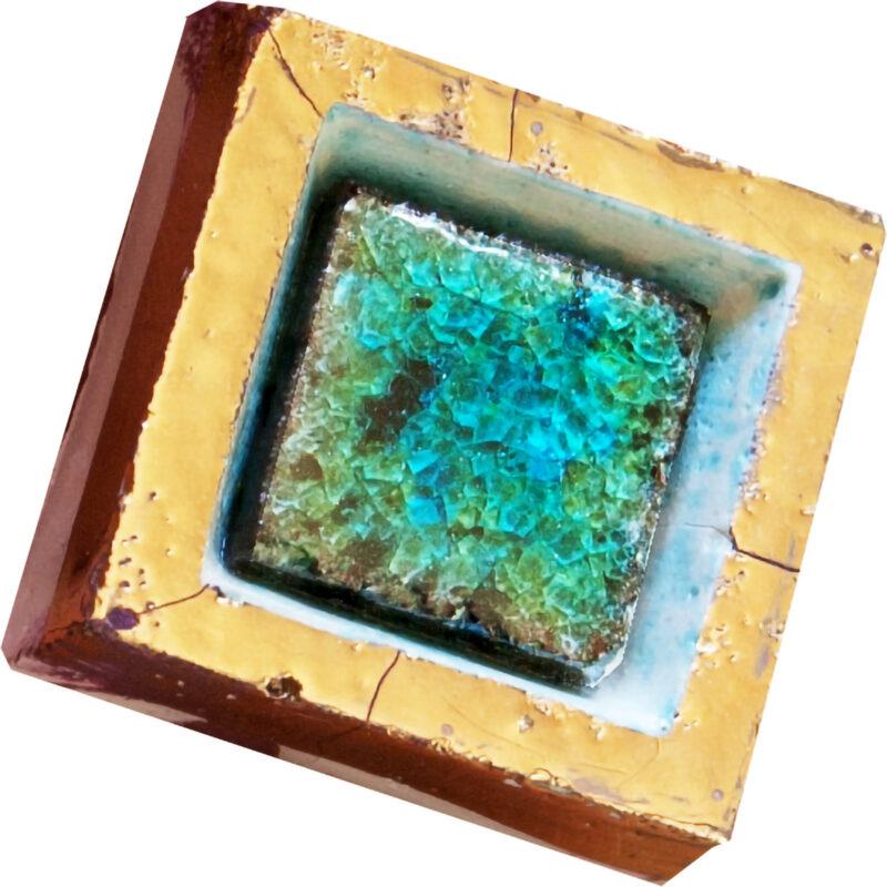 Mattonella con cristalli di vetro e pietra lavica