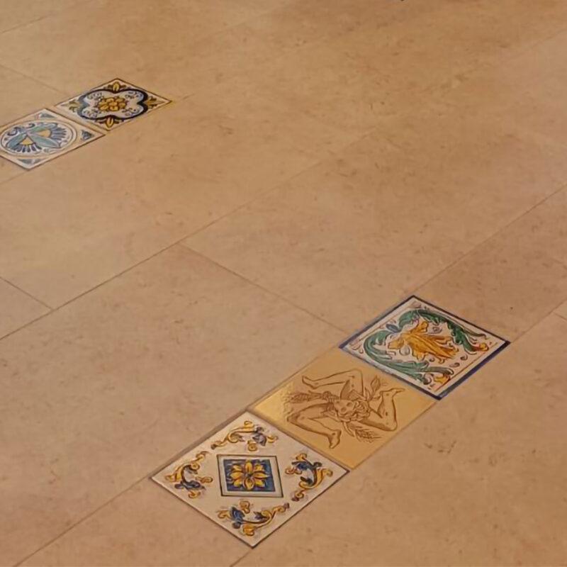 mattonelle per pavimenti in pietra lavica decorati a mano