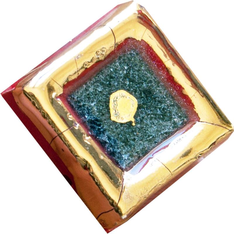 mattonella in pietra lavica con pietra lavica cristallinata