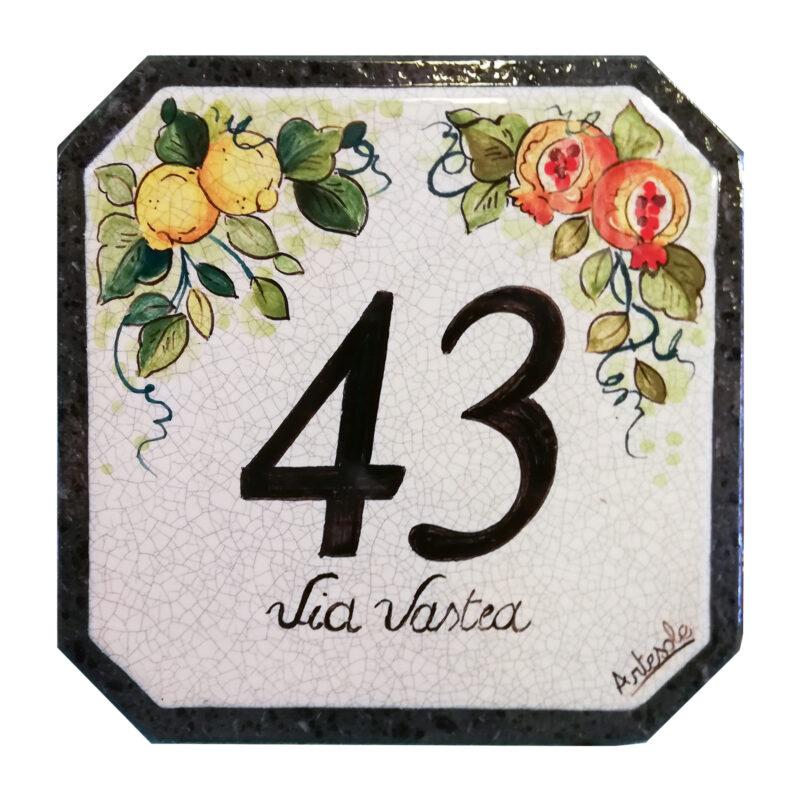 numero civico decorato a mano con dipinto limoni e melograni
