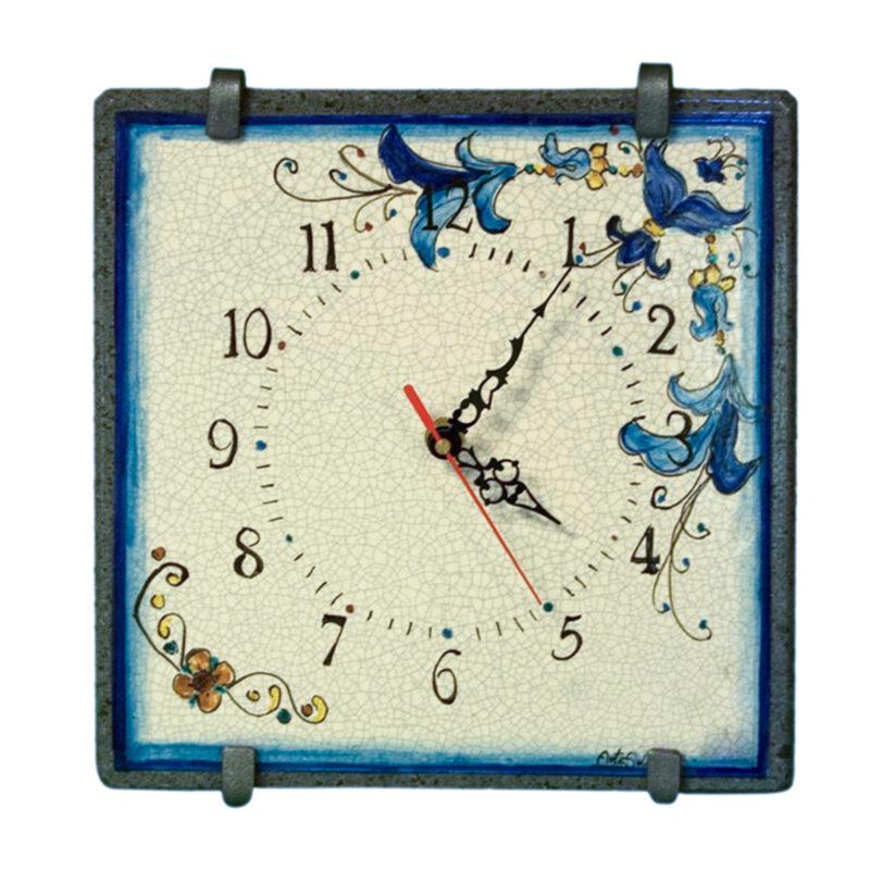 Orologio in pietra lavica con numeri