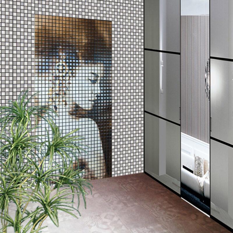 Parete decorativa con rivestimento mosaico in pietra lavica con immagine su richiesta
