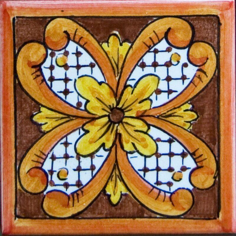 piastrella decorata a mano in stile Caltagirone