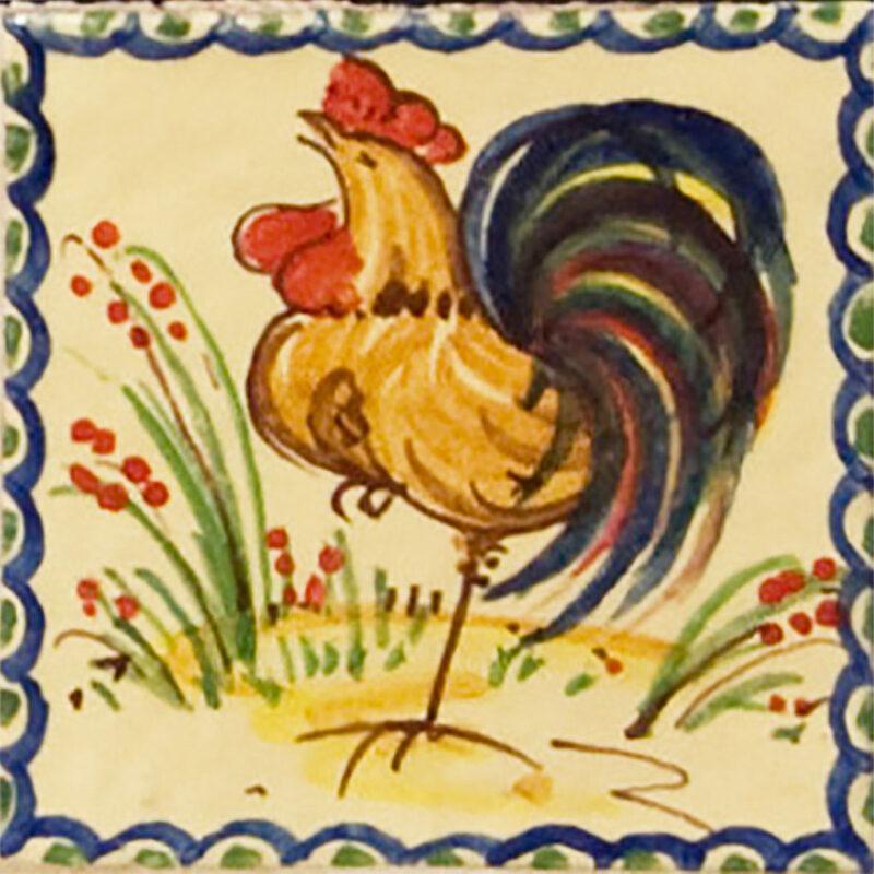 Piastrella in ceramica con decoro gallo dipinto a mano