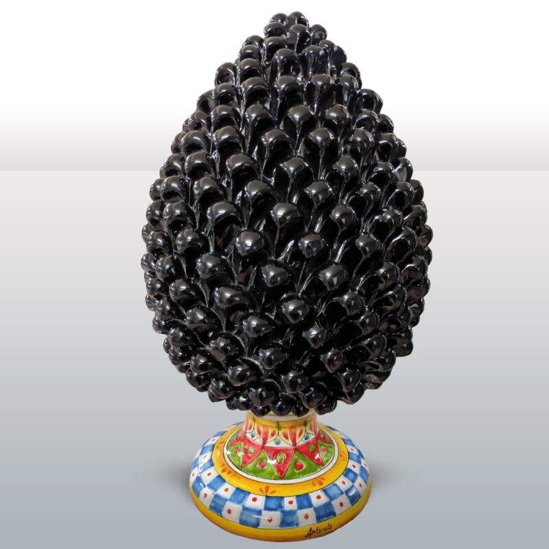 Pigna in Ceramica Nera con base decorata altezza 42