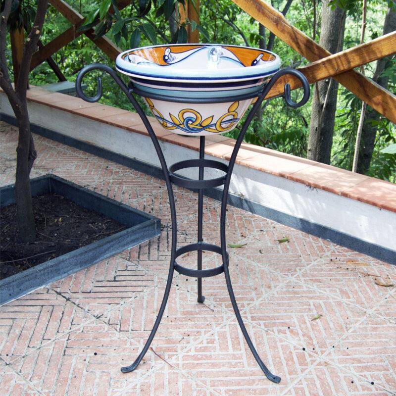 posacenere in ceramica decorato a mano con supporto in ferro