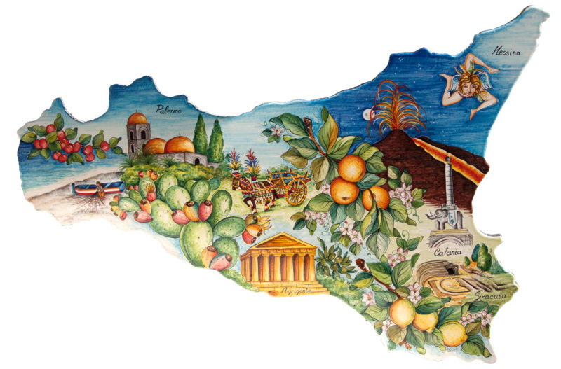 Sicilia in pietra lavica sagomata e decorata a mano