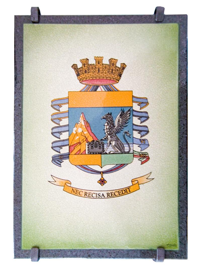 Targa in pietra lavica con stemma Guardia di Finanza