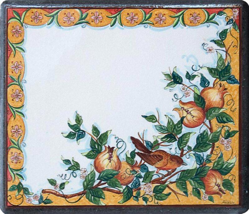 Tavolo in pietra lavica con decoro artistico dipinto a mano
