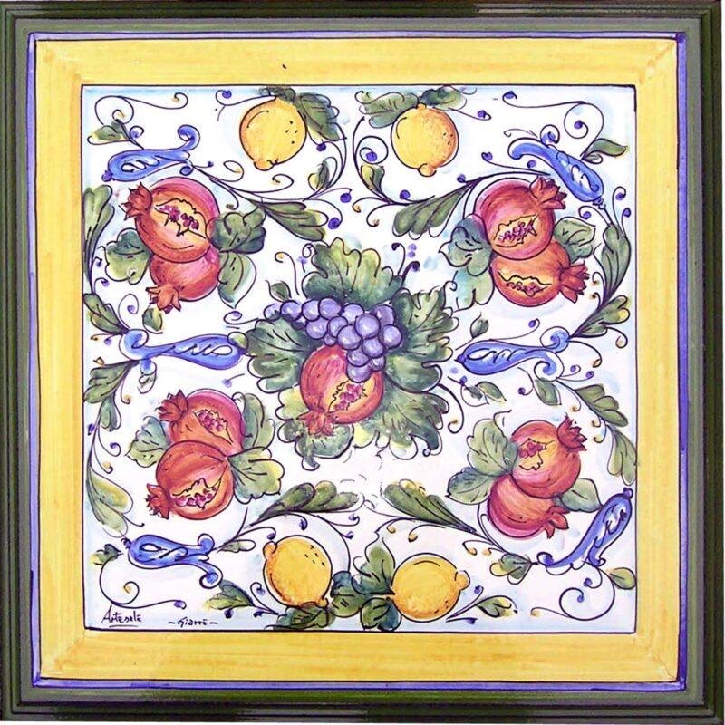 Tavolo quadrato decorato a mano conca d'oro 2