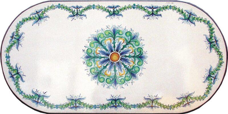 Tavolo da giardino in pietra lavica con decoro Cleopatra dipinto a mano