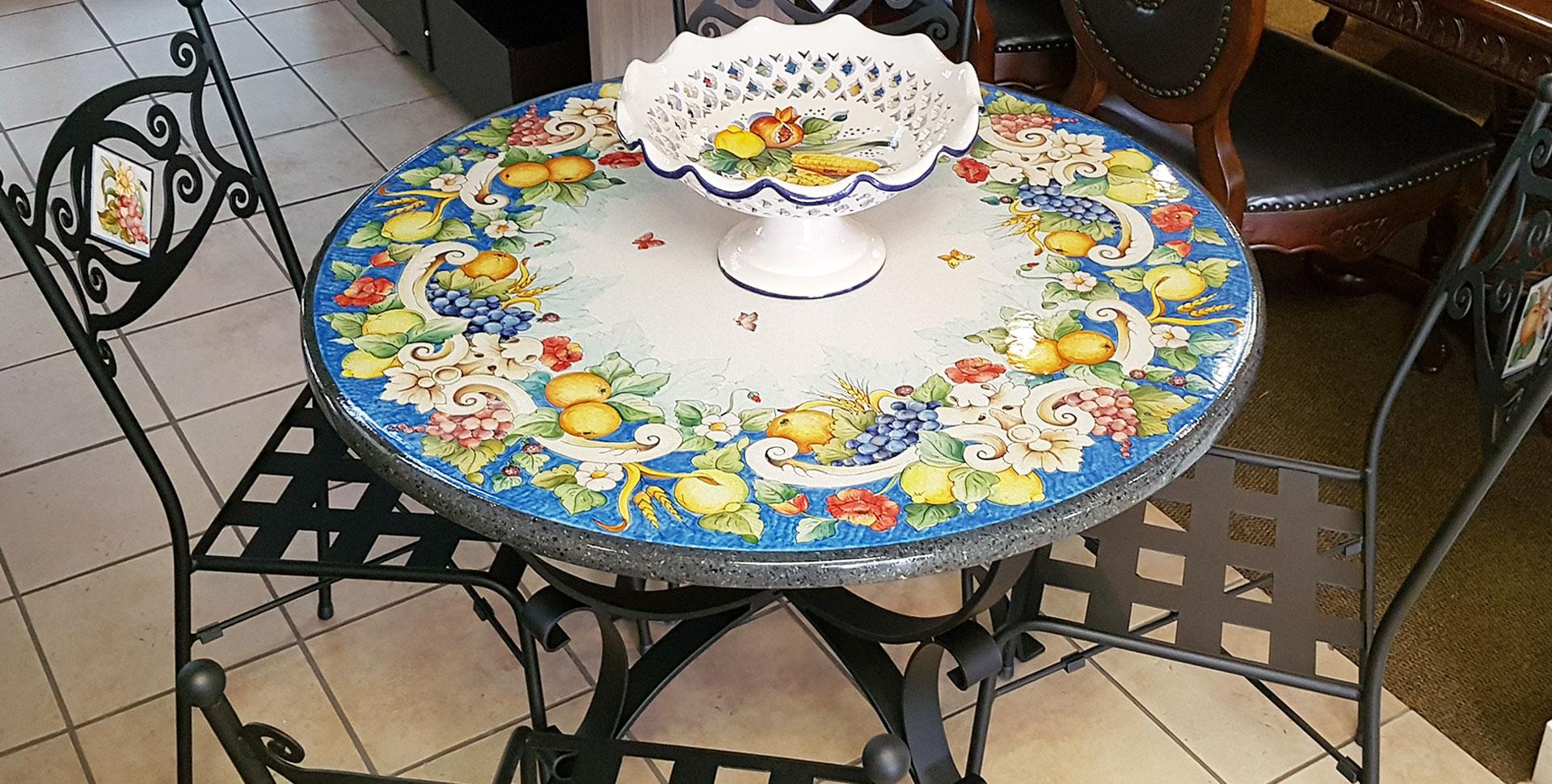 Tavoli Da Giardino Decorati.Tavolo Da Giardino Pietra Lavica 40 Fantastiche Immagini Su Tavoli