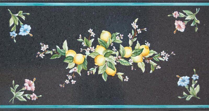 Tavolo in pietra lavica con sfondo pietra lavica naturale e decoro limoni dipinto a mano