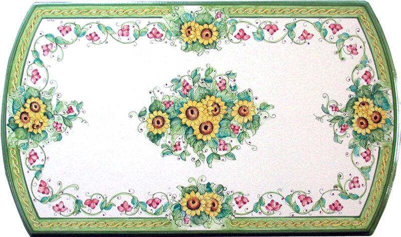 Tavolo in pietra lavica decorato a mano con decoro Dafne