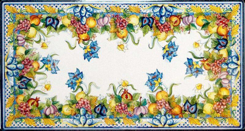 Tavolo in pietra lavica decorato a mano in stile Siciliano