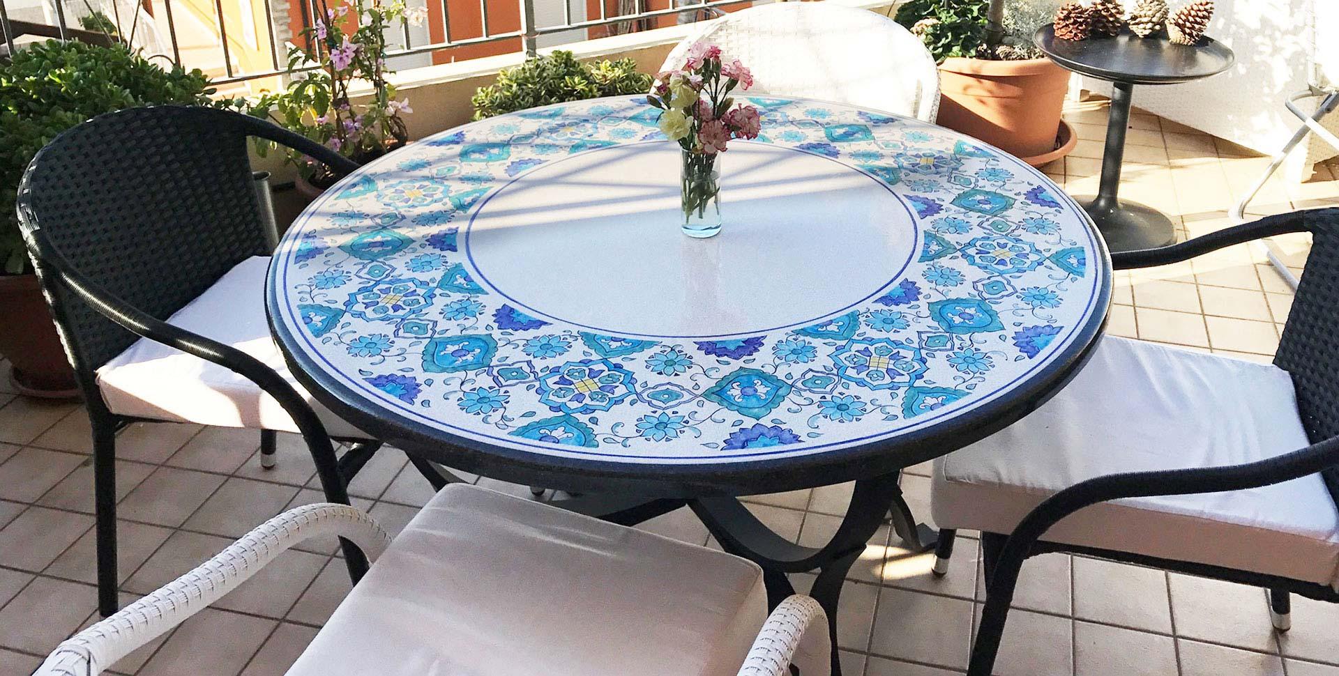 Tavoli In Pietra Prezzi.Tavoli In Pietra Lavica Decorati A Mano Info E Prezzi Artesole