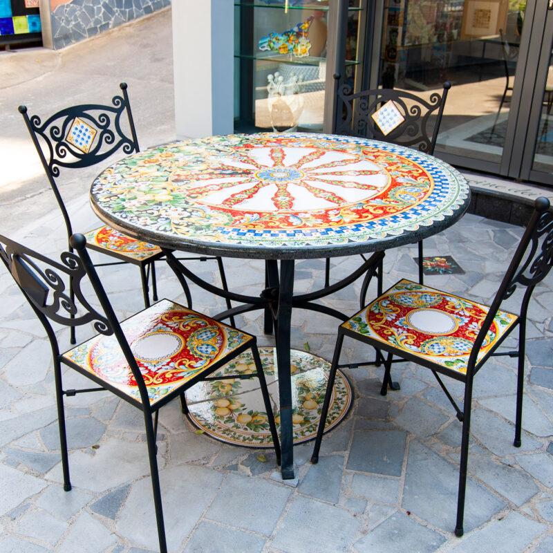 Tavolo in pietra lavica con decoro Sicilia