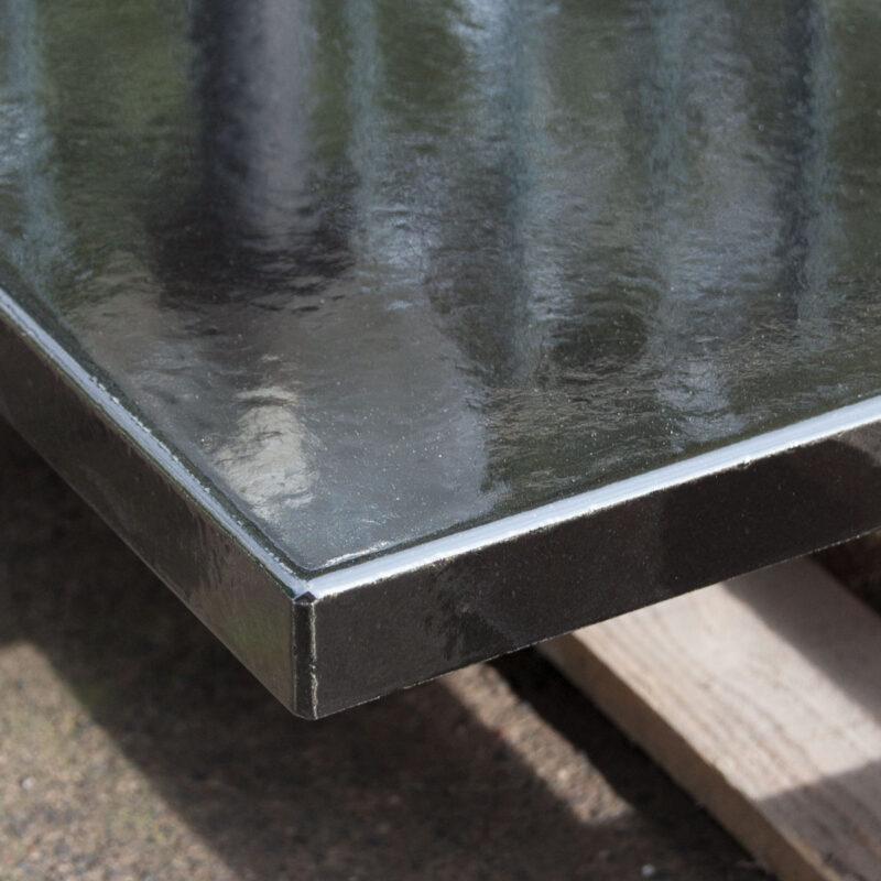 tavolo in pietra lavica nero lucido
