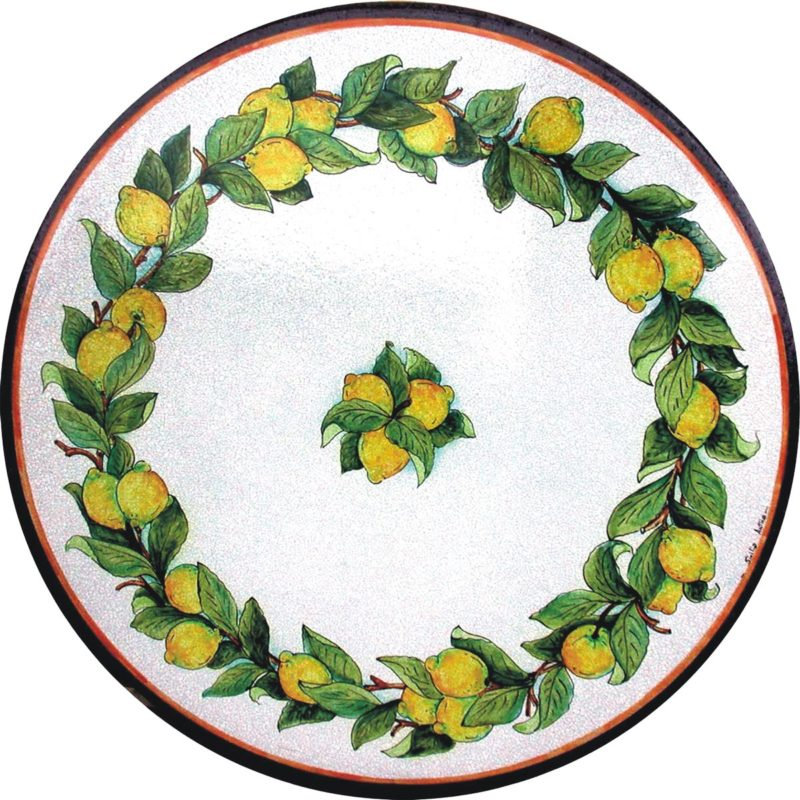 tavolo in pietra lavica con decoro giro di limoni