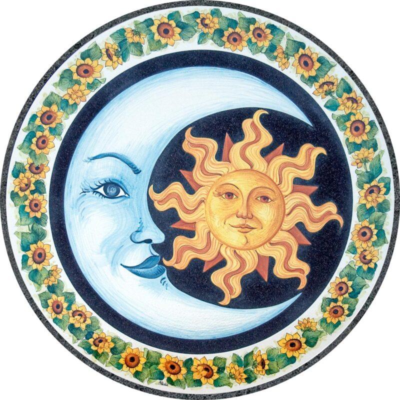 tavolo in pietra lavica rotondo decorato a mano con decoro sole luna