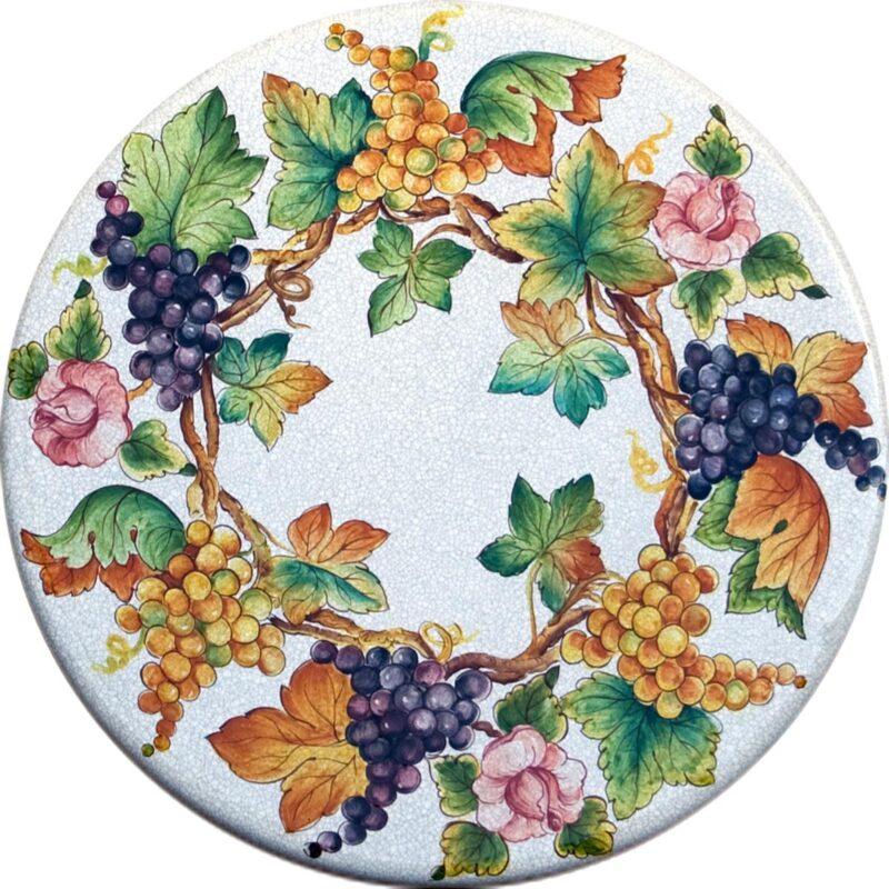 tavolo in pietra lavica con decoro uva e rose dipinto a mano