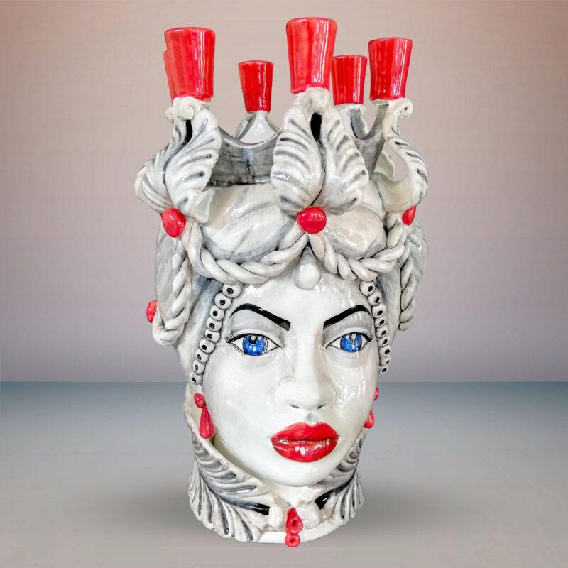 Testa di Moro donna in ceramica in stile Caltagirone