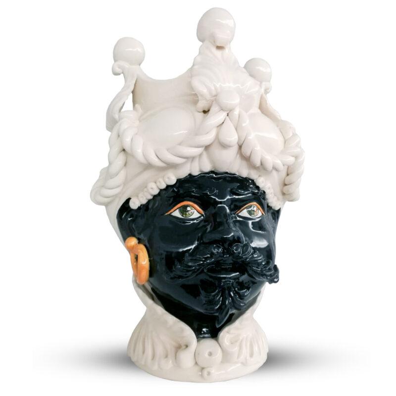 testa di moro siciliano colore bianco e nera con rifiniture colore arancione
